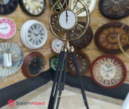 فروش عمده ساعت کنار سالنی سه پایه